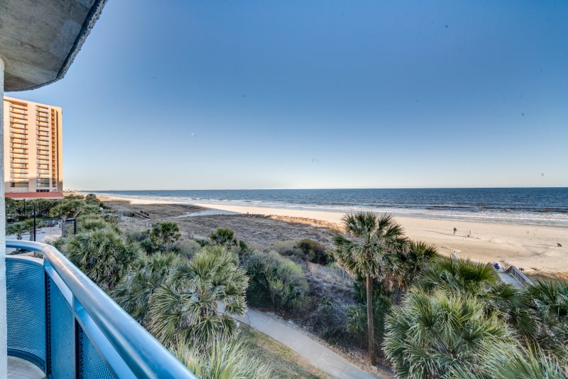 Brighton Towers 101 At Kingston Plantation Oceanfront Two Bedroom Bath Beautiful Condo