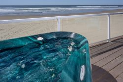BRAND NEW !! Ocean Jewel - Oceanfront Studio Beachside Retreats (Formerly: Miracles)