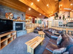 Blue Pacific Vacation Rentals - The Masters Lodge - OR
