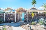 Merito Manor - Relax and enjoy this Mid-Century condominium in Palm Springs