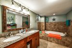 Large Master en Suite with Dual Vanity, lower level