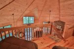 Spacious loft with wifii for cabin