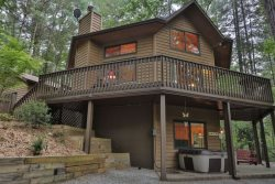 Tucked Away Cabin- Private Setting in the Coosawattee River Resort with Incredible Amenities