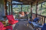 Spacious Main Floor Screened-in Porch