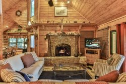 Bear Creek Crossing- Family Retreat Cabin in Private Wooded Setting on Creek- NO PETS
