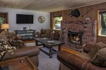 Adorable Wallowa River frontage home straight out of Pinterest!