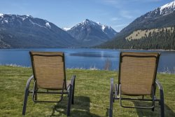 You won't wonder why it's called THE VIEW when you step in and stare at the Wallowa Mountains and Wallowa Lake!