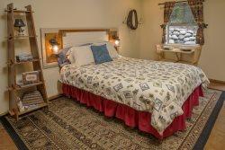Arapahoe Lodge Lower is a cute studio located at Wallowa Lake.  Arapahoe Lodge Lower #38