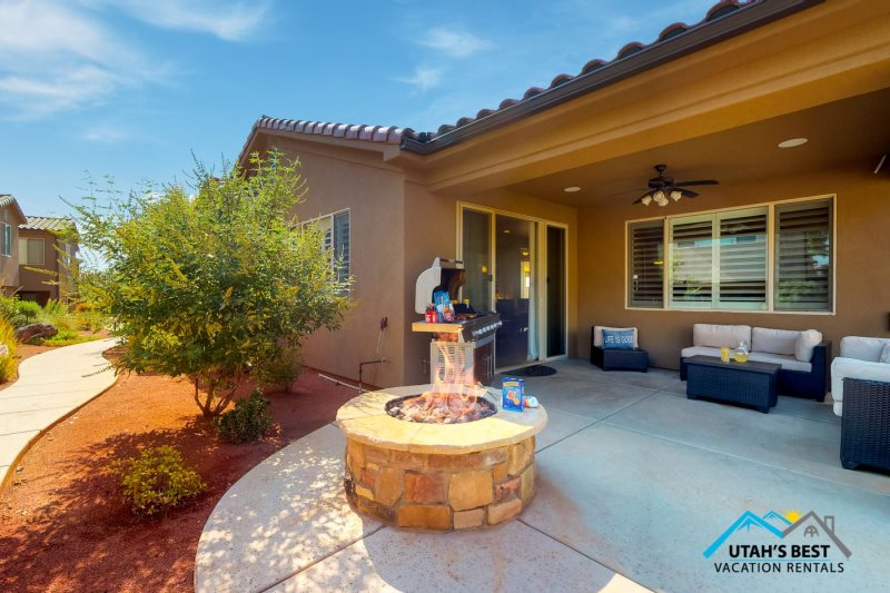 Charmant Beautiful 3 Bedroom Home * Large Patio With A Fire Pit * Ping Pong * Close  To Resort Pool
