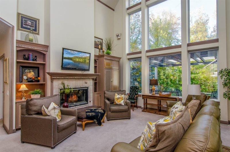 5 Bedroom Luxury Holladay Home | The Bellagio - Utah's Best