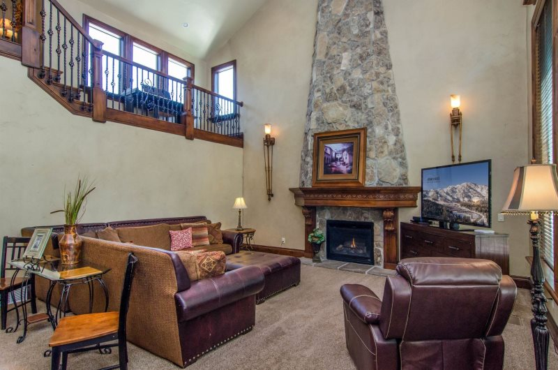 9 Bedroom Luxury Vacation And Executive Home In Millcreek