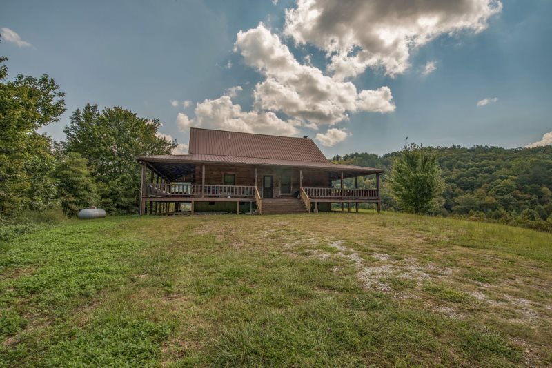 Beau Adam`s Cove  118 Acre Family Homestead  Mountain View With Rolling Pastures!