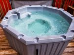Holly Hill Ocoee River area cabin rental- hot tub