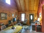Holly Hill Ocoee River area cabin rental- living room