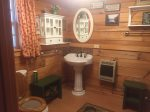 Holly Hill Ocoee River area cabin rental- main floor bath