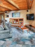 Ocoee River Area cabin rentals- Living room