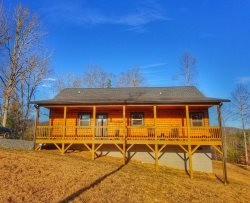 Mountain View, long walk to creek, firepit, minutes to Ocoee river whitewater rafting and 20 minutes to Blue Ridge