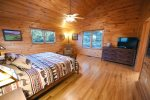 Dew Drop Inn- Blue Ridge-Master Bedroom