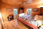 Dew Drop Inn- Blue Ridge-Queen Bedroom