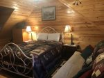 Duck`s Nest Retreat- Ocoee River Area- Loft Bedroom