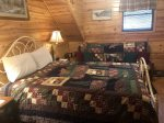 Duck`s Nest Retreat- Ocoee River Area-Loft Bedroom