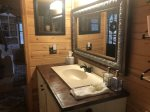 Duck`s Nest Retreat- Ocoee River Area- Bathroom