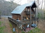 Great cabin with lots of amenities and a great sunset view!