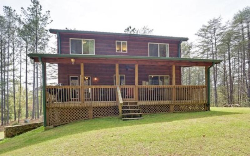 Tastefully Decorated And Plenty Of Amenities, Great Cabin For Up To 8  Guests! Pet Friendly, Fire Pit