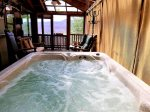 Blue Ridge cabin rentals--hot tub