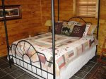 queen bedroom 2-Ocoee River cabin rentals
