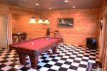 Coon`s Den Pool Table-North Georgia Cabin Rental