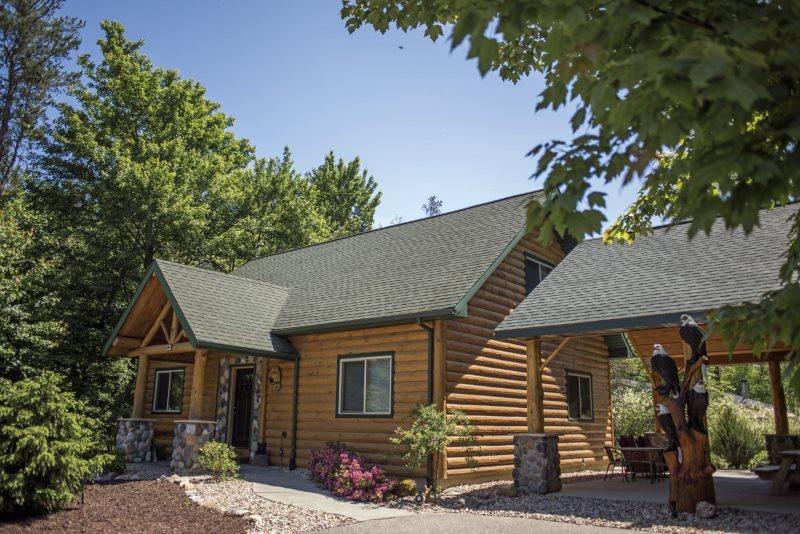 Stupendous Sand County The Linken Log Cabin Wi Beutiful Home Inspiration Aditmahrainfo