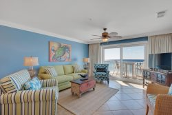Beach Front --3 Bedroom with Beachfront Master-Pool and Hot Tub