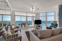 All New Decor! 2 K Mstrs +2 Q Bdrm~Beach Front~Awesome Views