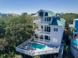 New Listing: Large, Beautifully Updated Luxury Beach House with Lake Views!
