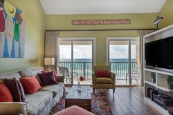 Beachfront ~ 2 K Mstrs ~ Sleeps 10 in Beds ~ GREAT Views ~ Pool ~ Free Beach Service