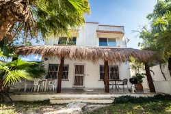 Cozy 2Br/2.5 bath Home in downtown Cozumel