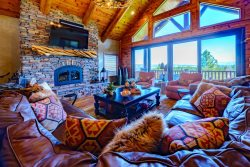 Grand Elk Lodge - Private Deluxe Retreat with 5 BR 5 Bath - Sleeps max 12 - Massive hot tub