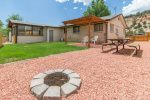 Mt Carmel Junction private home - easy access to Kanab, Zion National Park, and small dog Friendly / A/C