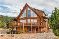 Red Canyon Circle - Private cabin near Brian Head - Sleeps 24 in beds - located on 5 acres