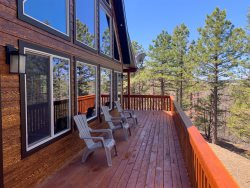 Brand new cabin beautifully decorated with amazing views