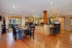 Great Room You will love this dining and kitchen area with addl bar seating.
