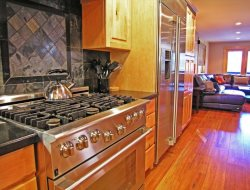 The appliances complete this amazing kitchen package.
