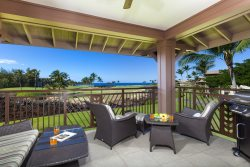 Halii Kai 8D-Ocean Views.  Includes the Hilton Waikoloa Pool Pass for 2017!