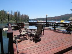 CHARMING  LAKEFRONT HOME LOCATED IN POPULAR WILLOW COVE