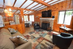 LA25 - Cozy Cabin in Willow Cove Locate Just Minutes from Yosemite National Park