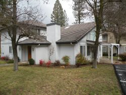 Lovely 2 story 3 bedroom 3 bath home with easy lake access