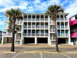 South Beach Ocean Condos - East - Unit 8 - Panoramic Oceanfront Views of Tybee Beach - FREE Wi-Fi