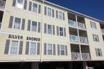 Enjoy this Modern Condo Close to Tybee`s South Beach, Restaurants and Shops