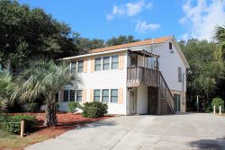 207 Lovell Avenue - Upstairs - A Great Location for a Tybee Beach Vacation - FREE Wi-Fi